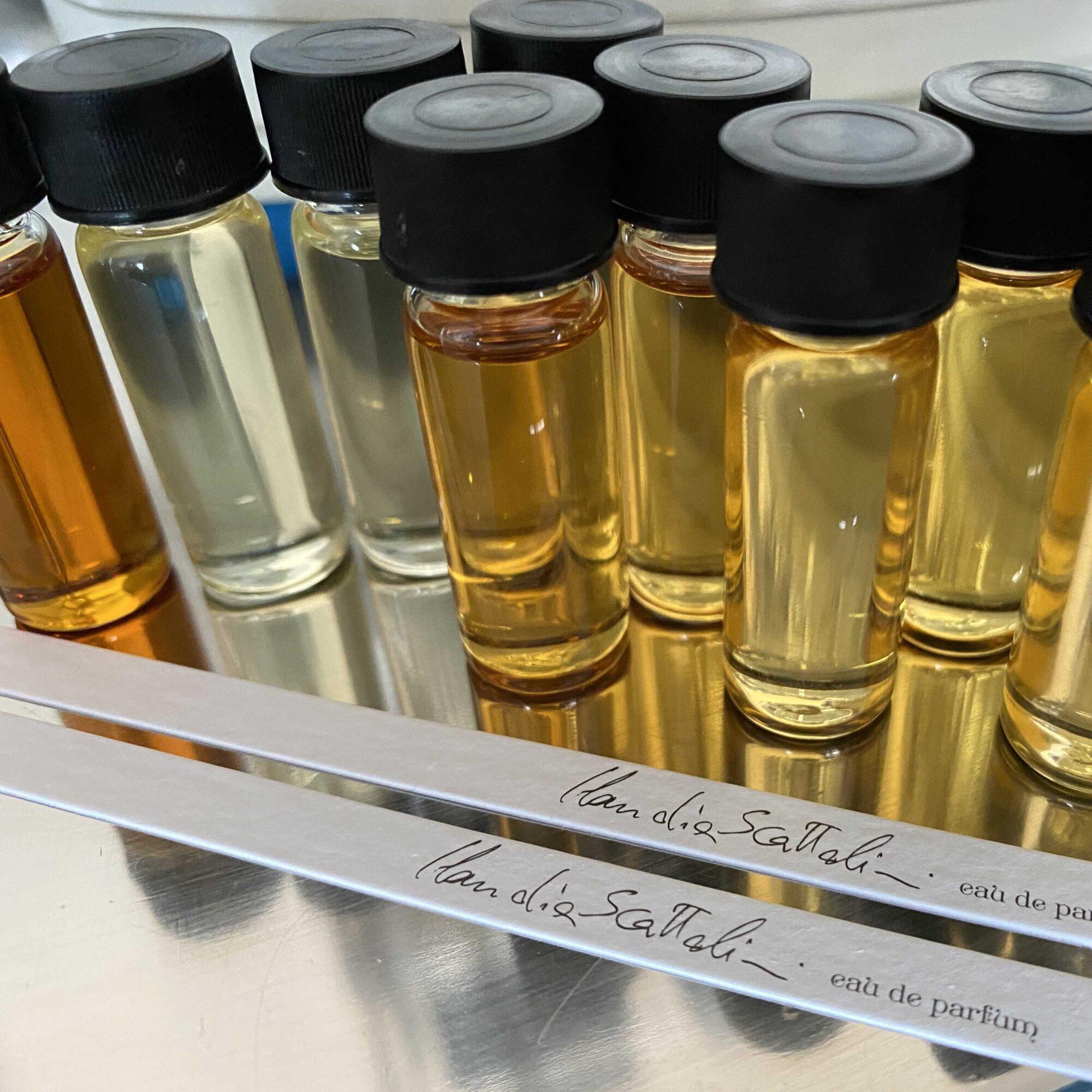 Kit 25 fialette 25ml per Perfume Lounge Claudia Scattolini
